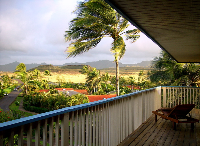 http://www.luxurykauaihome.com/images/morning-lanai-lounge-700.JPG